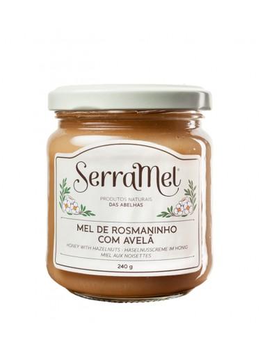 Cremet Honning med Hasselnødder - Serramel