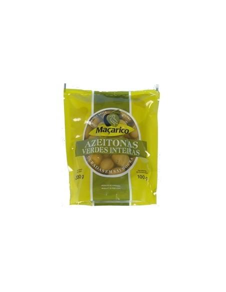 Grønne oliven med sten